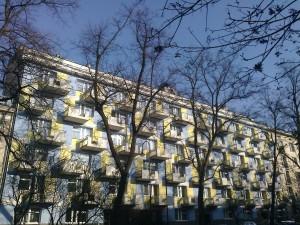 Dom o stu balkonach - ulica Retoryka