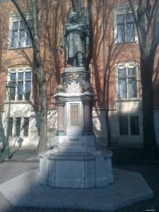 Pomnik - Mikołaj Kopernik