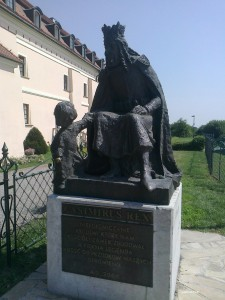 Pomnik w Niepołomicach